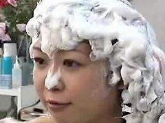 Shampoo Girl 02